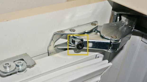 gefrierschrank t r reparieren gefrierschrank scharniere. Black Bedroom Furniture Sets. Home Design Ideas