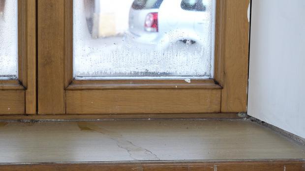 Feuchtigkeit an den Fensterscheiben