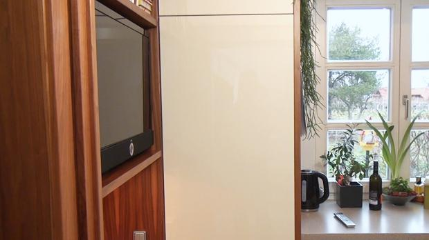 Liebherr Kühlschrank-Scharniere wechseln