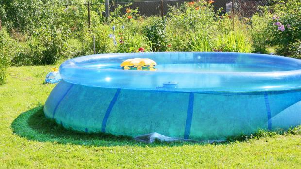 Poolarten der eigene pool im garten ratgeber for Quick up pool obi
