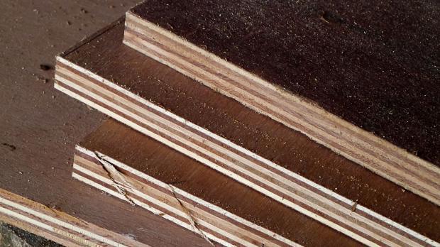 Sperrholzplatten im Vintage-Look