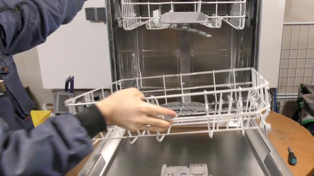 Smeg Kühlschrank Dichtung Austauschen : Spülmaschine untere türdichtung wechseln anleitung diybook