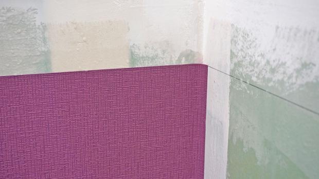 Vliestapeten In Ecken Tapezieren : Innenecken tapezieren – Anleitung & Tipps vom Maler Tapezieren