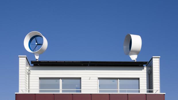 Windenergieanlage aus zwei Windturbinen