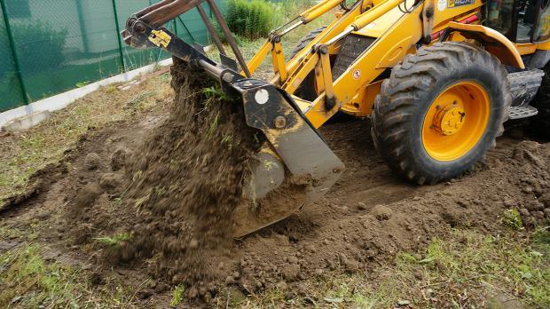 Der Boden wird begradigt