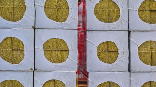 Zum Verkauf verpackte Dämmstoffe