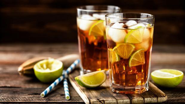 Kalte Getränke erhöhen den Grillspaß
