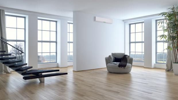 Innenraum mit Panoramafenstern