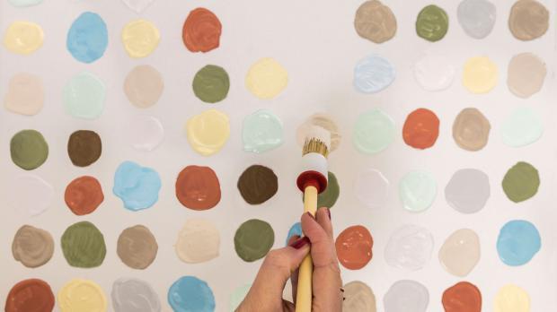 Verschiedene Farbtöne von Lehmfarben