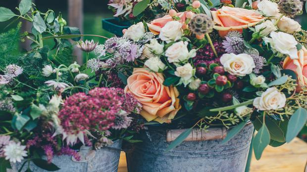 Blumen im Kübel