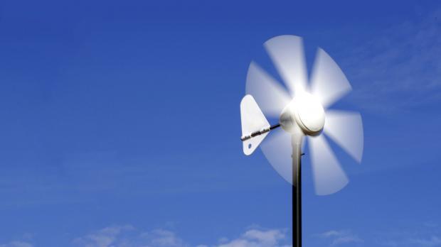 Drehender Windgenerator unproblematisch für Vögel