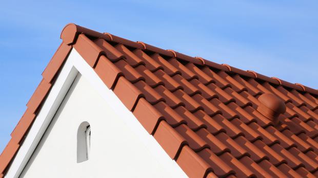 Dach mit Entlüfter-Dachziegeln