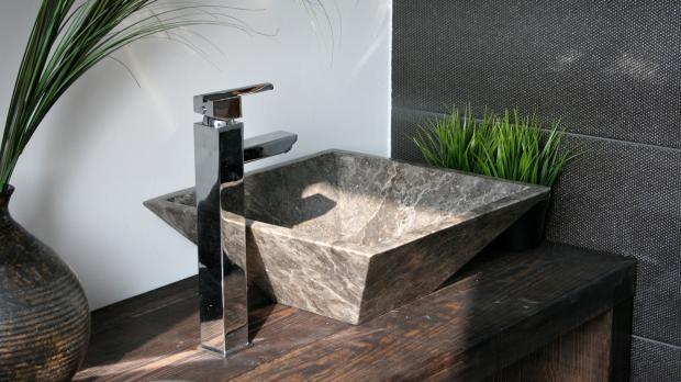 Kleines Handwaschbecken aus Marmor