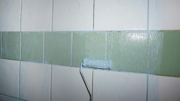 fliese auf fliese verlegen das verfliesen einer dusche anleitung. Black Bedroom Furniture Sets. Home Design Ideas