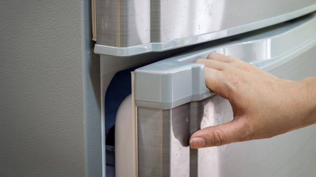 Kühlschrank Aufbau Hinten : Gründe warum der kühlschrank vereist ratgeber diybook