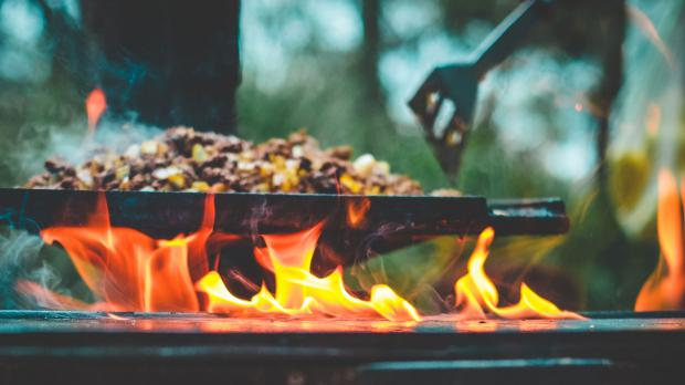 Grilleinsatz in der Outdoorküche