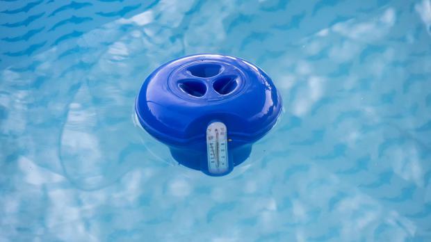 Alles klar im pool wasserpflege leicht gemacht ratgeber for Garten pool chlortabletten
