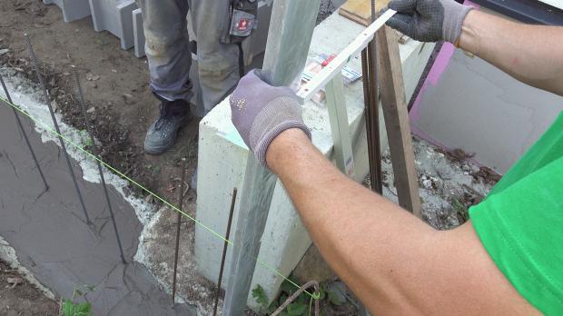 Mauerabmessungen überprüfen