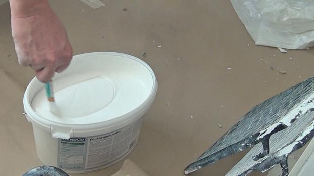 schimmel an der decke beseitigen anleitung tipps vom maler streichen. Black Bedroom Furniture Sets. Home Design Ideas