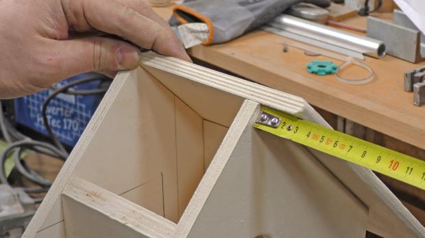 Dach aufsetzen und Randabstand ausmessen
