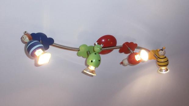 Deckenlampe im Einsatz