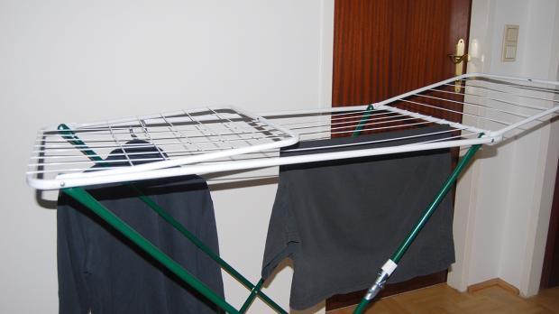 Wäscheständer innerhalb der Wohnung