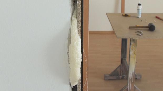 Türzarge ausbauen  Tür einbauen, Türzarge einbauen - Anleitung @ diybook.de