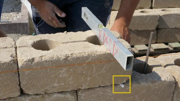 gartenmauer selber bauen - das errichten einer betonsteinmauer, Terrassen ideen