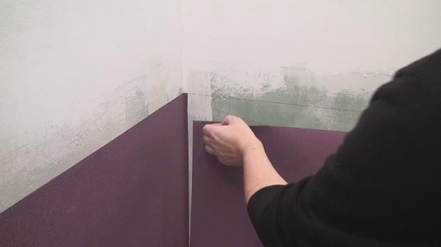 Vliestapete Naht Zu Sehen : Vliestapete tapezieren – Anleitung & Tipps @ diybook.de
