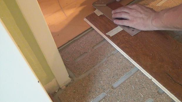 Angrenzenden Türstock ausmessen und anzeichnen