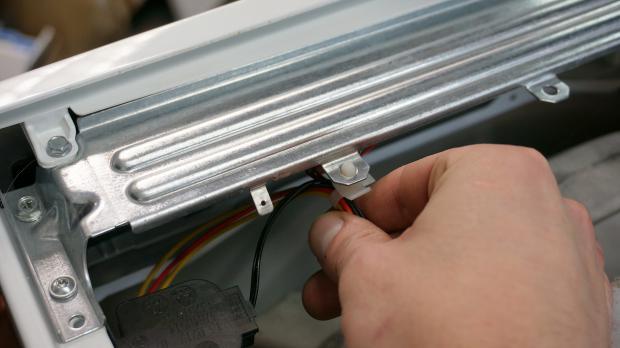 Kabelsicherung einsetzen