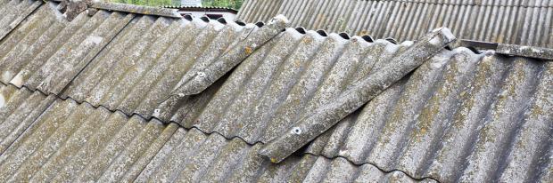 Welldachplatten als Asbestquelle