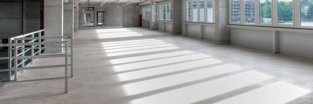 Magnesitestrich in einer Fabrikhalle