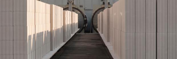 Paletten mit Kalksandstein fertig für den Transport | © Bundesverband Kalksandsteinindustrie e. V.
