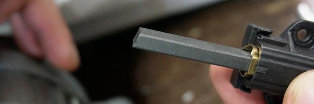 Motorkohlen wechseln - Nicht verbrauchte Motorkohle bzw. Kohlebürste