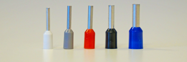 Aderendhülsen in verschiedenen Farben