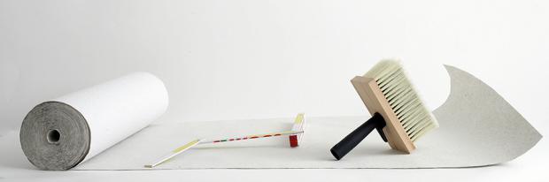 Tapezierwerkzeug - Tapetenbahn mit Werkzeugen