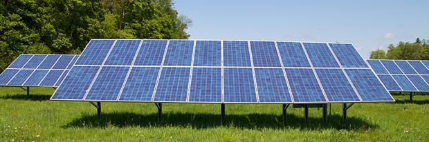 Große Photovoltaikanlage - Freilandanlage