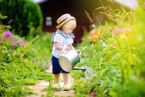 Gärtnern mit Kindern: Darauf ist zu achten!
