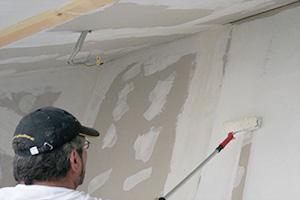 Gipskarton streichen - Trockenbaufarbe im Einsatz