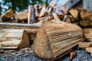 Heizen mit Holz – Lohnt sich das eigentlich?
