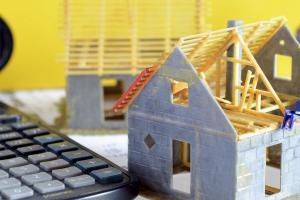 Hausbau: So hoch sind die Rohbaukosten