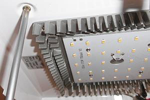 LED - Lampe anschließen