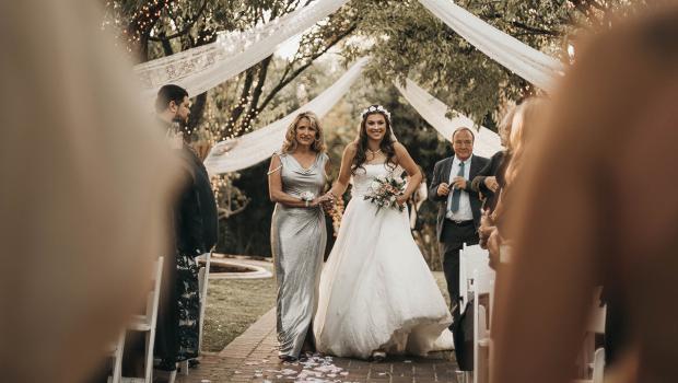 Outdoor Hochzeit Die Schonsten Ideen Fur Die Blumen Deko In Garten Events Diybook De
