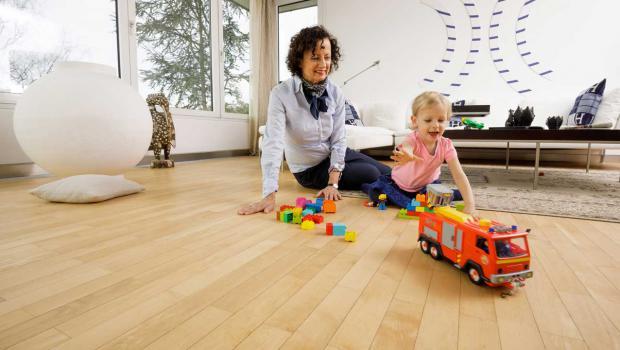 richtig zum wohlf hlen parkett mit fu bodenheizung in wohnen energie. Black Bedroom Furniture Sets. Home Design Ideas