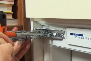 Bosch Kühlschrank Nass : Wasser im kühlschrank unter dem gemüsefach anleitung diybook