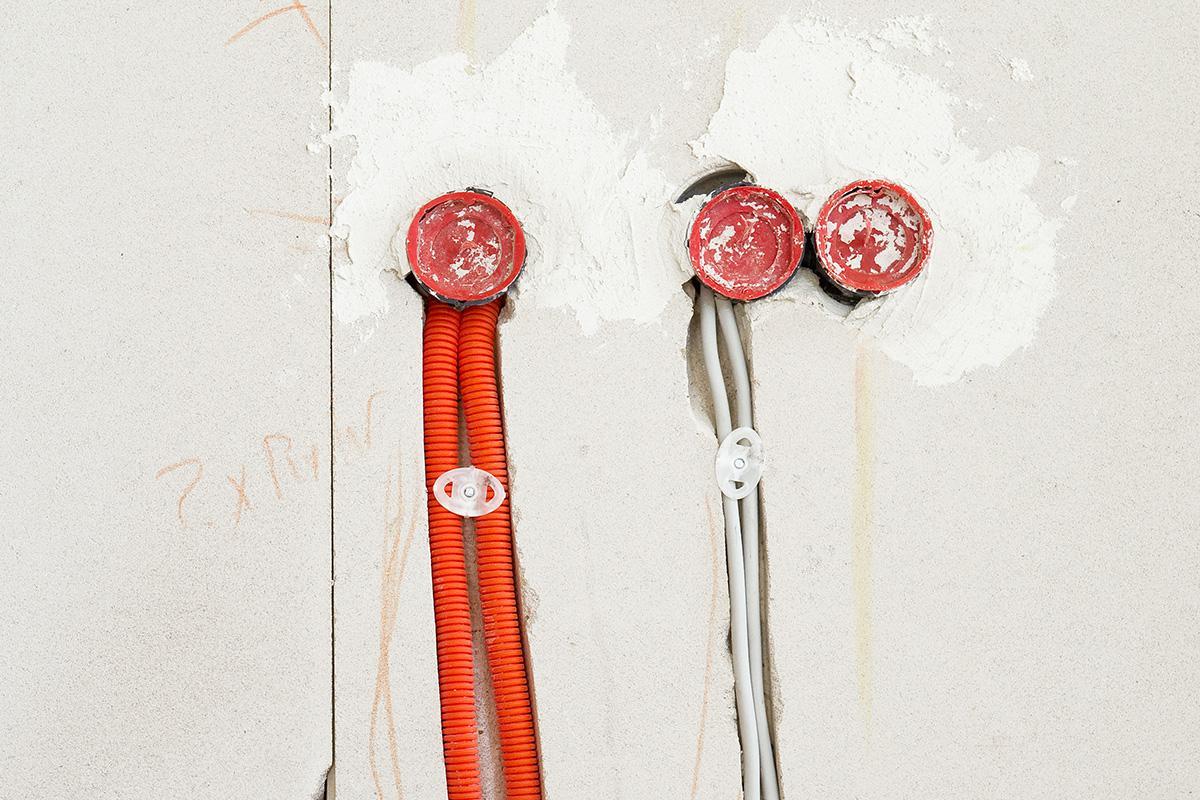 Bevorzugt Elektroinstallation mit oder ohne Kabelschutzrohr? @ diybook.de OG61