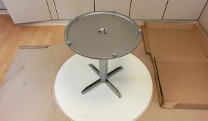 ikea billsta aufbauanleitung tischgestell auf die. Black Bedroom Furniture Sets. Home Design Ideas